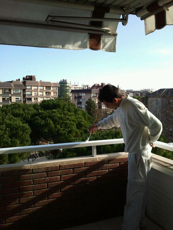 Pintor en barcelona ascociados al gremio de pintores de - Trabajo de pintor en barcelona ...