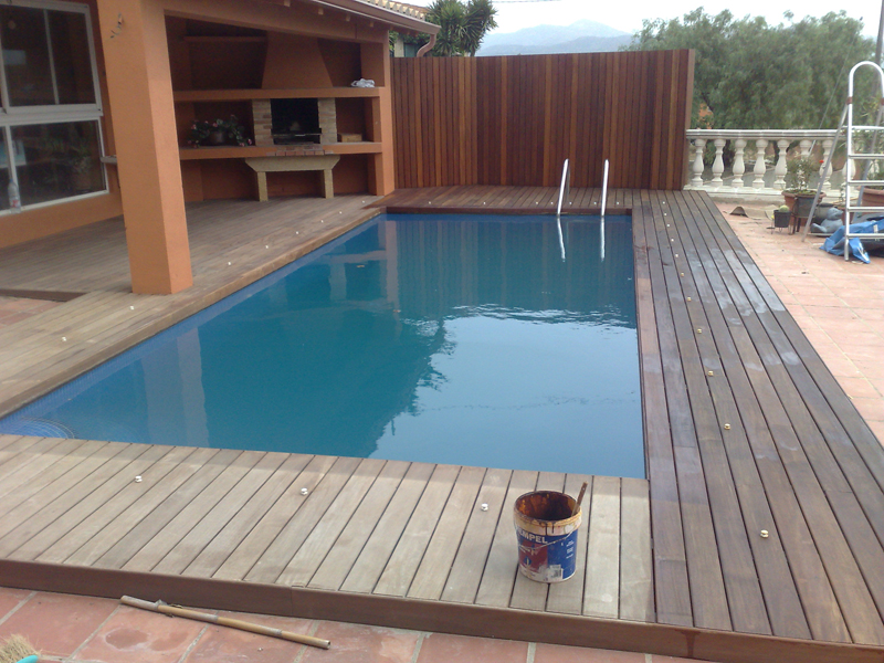 Mantenimiento de la madera con aceite de teca for Pintar casa exterior