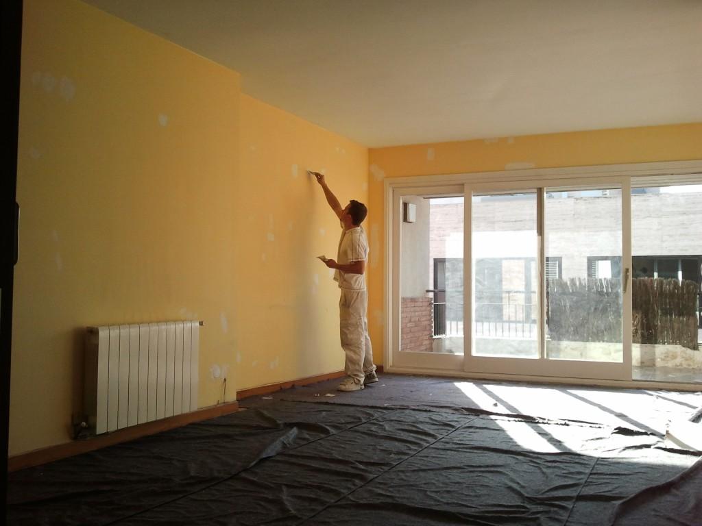 Decoracion mueble sofa pintar comedor - Pintar comedor dos colores ...