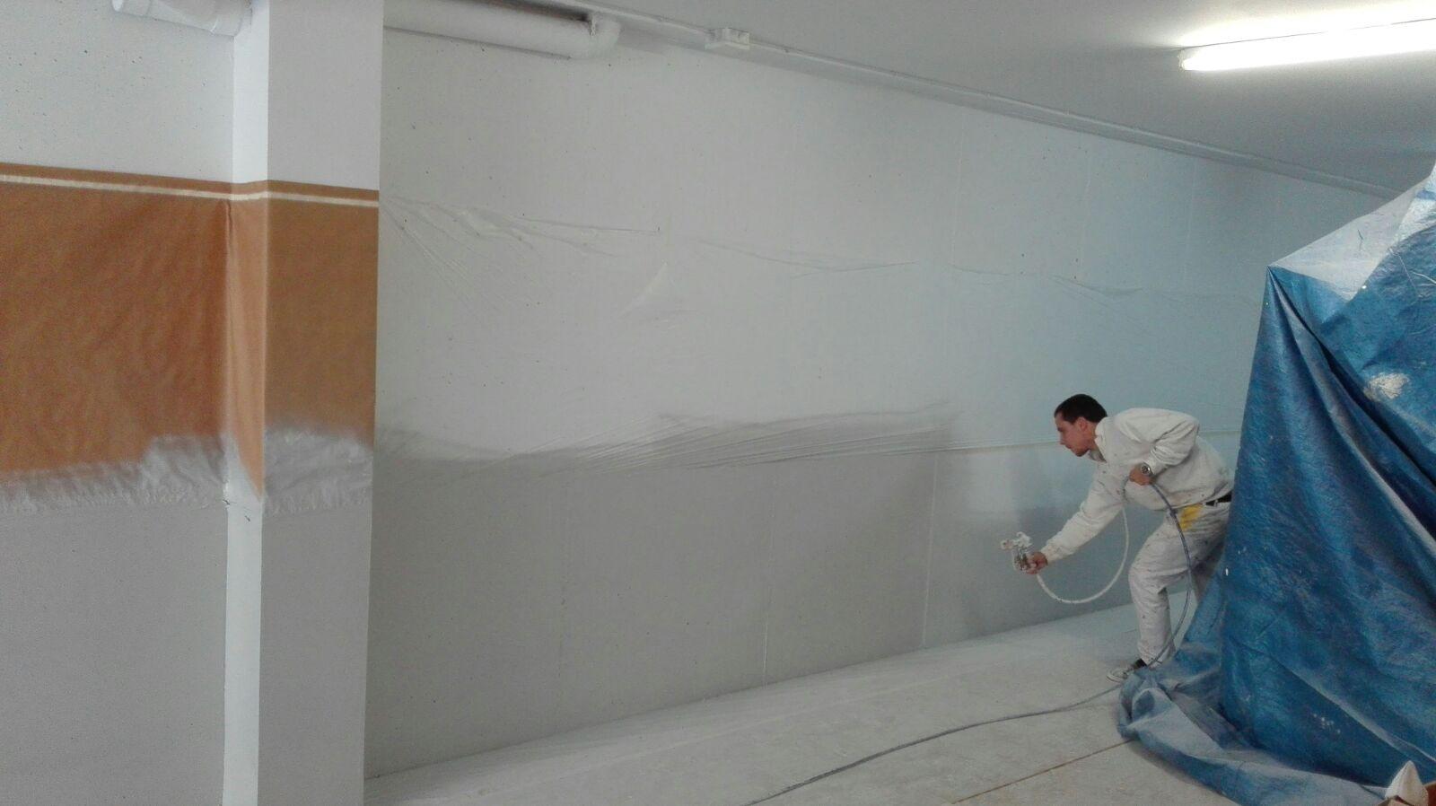 Pintado parking a pistola airless en barcelona - Pintura de garaje ...
